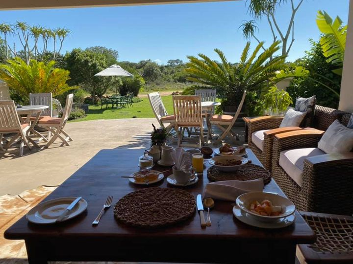 Breakfast at the Dune Ridge Country House before driving back to Cape Town
