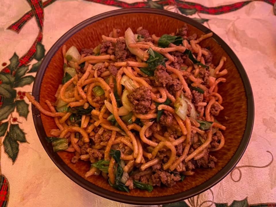 Irene made dinner: fried up yakisoba noodles…