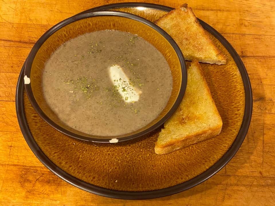 First food course: cream of mushroom soup