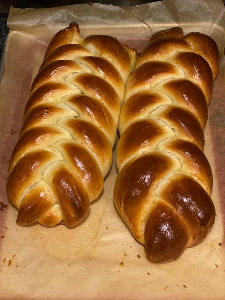 Five strand and three strand challah